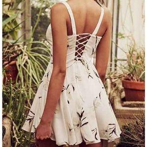 Margot Crepe Ivory Blush Floral Day Mini Dress M